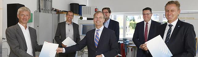 © Clean-Lasersysteme GmbH, Übergabe der Urkunden